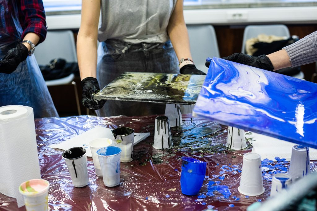 We Tried Art Therapy Every Day For a Week